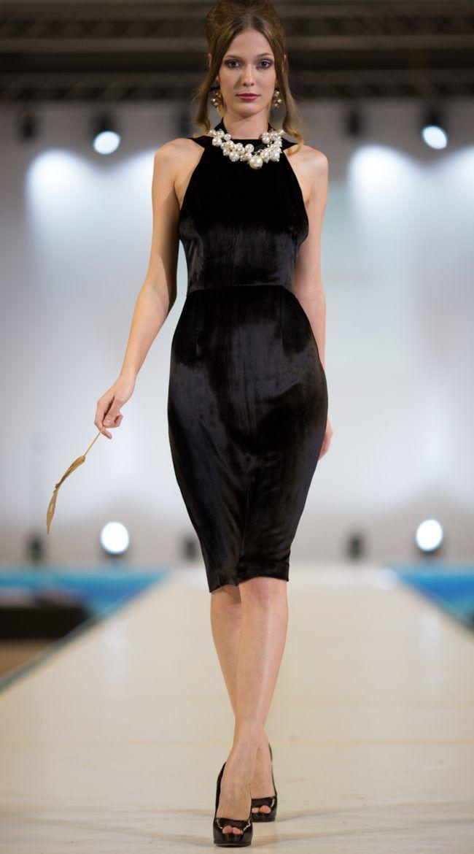 В 2017 году на пике моды будут наряды, сшитые из бархата