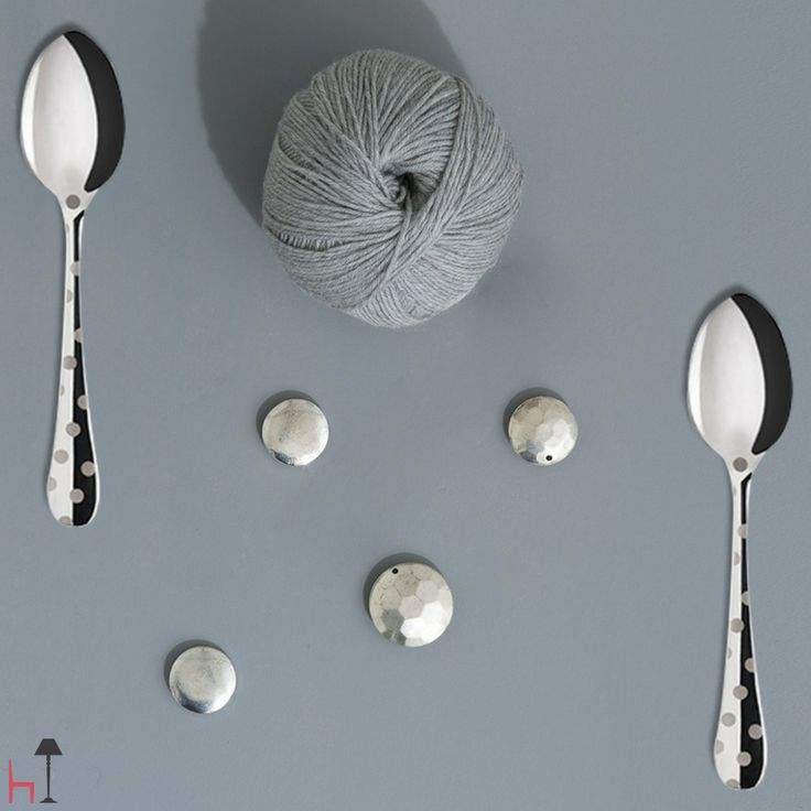 The set of 2 tea spoons belonging to the Metal Dots collection by Sabre is made from stainless steel.