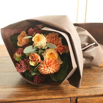 プレゼントに花束を!ネットからでも花束が送れるAoyamaFlowerMarket