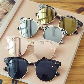 Buy 'Biu Style – Round Sunglasses' with Free International Shipping at YesStyle.com. Browse and shop for thousands of Asian fashion items from China and more!
