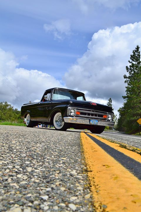 1961 Ford Truck Unibody, Front Low