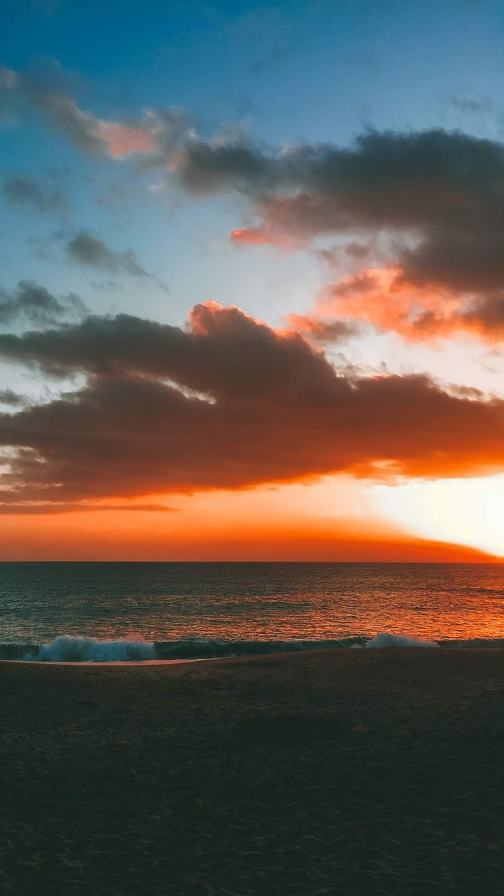 Find over 100+ of the best free red aesthetic images. Sunset in the beach wallpaper | Beach wallpaper, Aesthetic