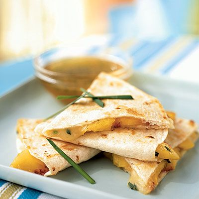 Peach and Brie Quesadillas with Lime-Honey Dipping SauceLimes Honey Dips, Summer Appetizers, Peaches Recipe, Dips Sauces, Cooking Lights, Mexicans Recipe, Dipping Sauces, Limehoney Dips, Brie Quesadillas