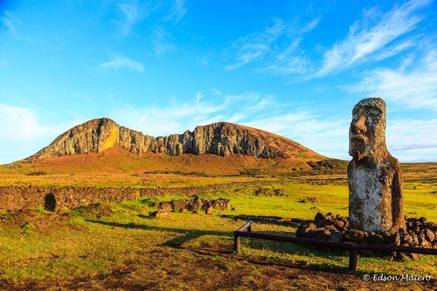 Ahu Tongariki: The Traveling Moai http://www.phototravel360.com/ilha-de-pascoa-ahu-tongariki-os-moais-dos-japoneses/ Discovered by Phototravel360 at Easter Island, Easter Island, Chile