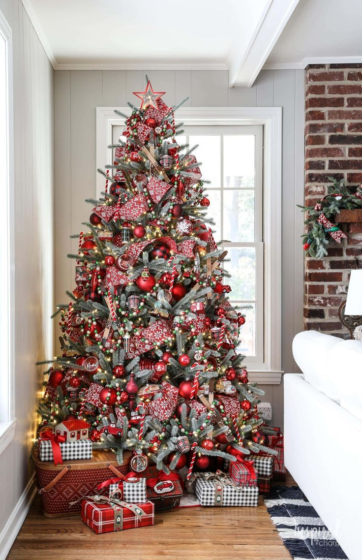 Inspired By Charm With Michael Wurm Jr Inspiredbycharm On Pinterest Country Christmas Decorations Christmas Decorations Rustic Christmas Lodge