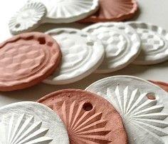 schaeresteipapier: Abdrücke in Ton - Ornamente für Weihnachten