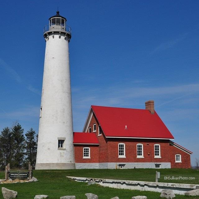 Faro del punto de Tawas de Michigan, en la orilla occidental del lago Huron