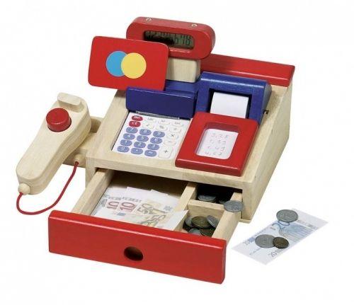 """Skal vi leke butikk?  Flott kasseapparat i tre som tåler å lekes med... Med kalkulator og stort kassedisplay, kasserull, """"scanner"""" og kort og penger i tre.  Flotte klare farger og gode materialer.  Størrelse: 22 x 16 cm  Fra 3 år"""