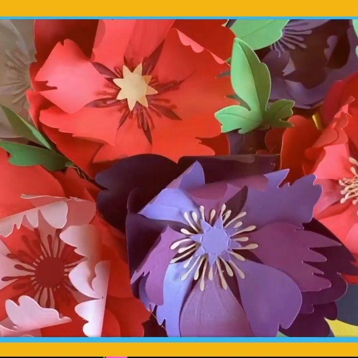 """Vamos a hacer Flores con la sencilla técnica de Crafting usando #BigShot de #Sizzix Ve el video completo en el enlace donde dice """"youtube"""" ahí encontrarás el paso a paso y todos los materiales #chuladascreativas Sigue mi canal:  www.youtube.com/chuladascreativas Paper Punch, Paper Flowers, Youtube, Anime, Ideas, Tela, Make Flowers, Beautiful Flowers, Cleaning Hacks"""