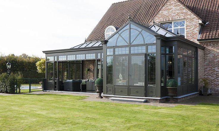 Veranda pergola in Victoriaanse stijl met hoogredementsglas. Natuurlijk daglicht en contact met de natuur zodat u elk seizoen binnen en buiten kan genieten.