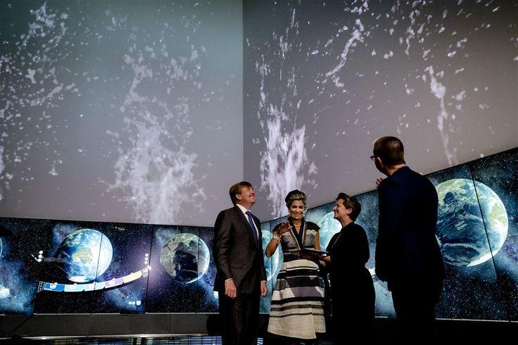 BRISBANE - Koning Willem-Alexander en koningin Máxima zijn vrijdagochtend op de laatste dag van hun staatsbezoek aan Australië in Brisbane ontvangen door de gouverneur van Queensland, Paul de Jersey. In Government House 'Fernberg' vond een korte ontmoeting plaats. (Lees verder…)