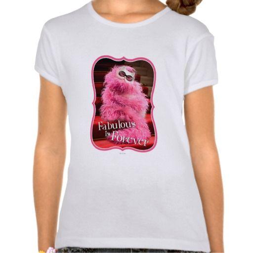 Avanti Press - Diva White Cat Wrapped in Pink Boa on Red Carpet. Producto disponible en tienda Zazzle. Vestuario, moda. Product available in Zazzle store. Fashion wardrobe. Regalos, Gifts. #camiseta #tshirt