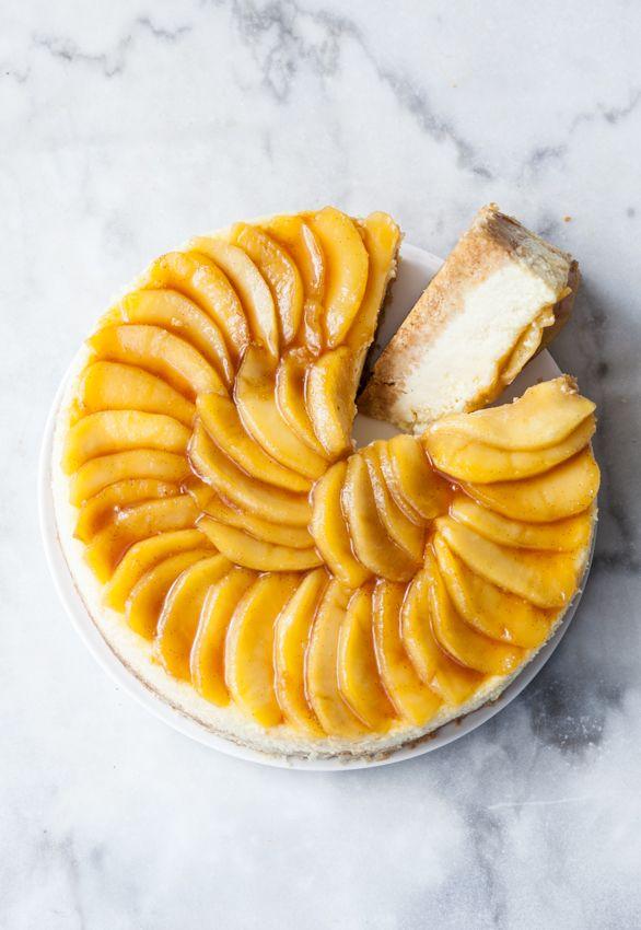 Cheesecake pommes caramélisées & vanille Stylisme : Coralie Ferreira Photographie : Virginie Garnier Tradi-Trendy - Hachette 2014