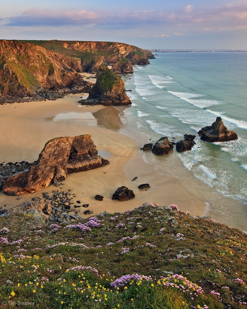 dearscience:    The Bedruthan Steps, St Eval, Cornwall by Tim Smalley