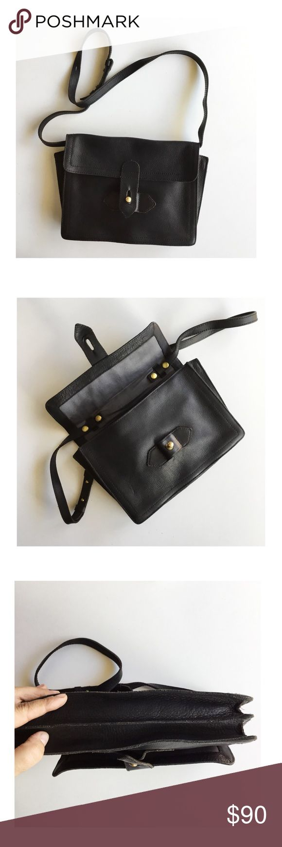 """•Madewell 'Sketchbook' leather purse bag• This beautiful black Madewell bag easily converts from a shoulder bag to a clutch by removing the snap-in strap. Overall good condition, the leather has developed a rich patina giving it a vintage look. The raw leather edges makes it look like that too. 7""""h x 10""""w x 2""""d 18"""" strap drop  100% black leather. Madewell Bags"""