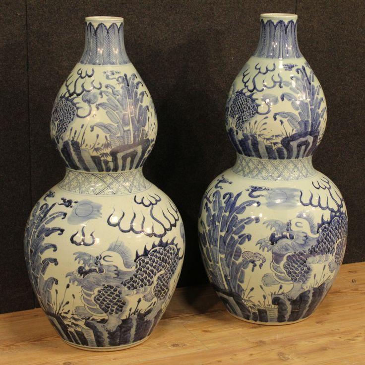 1600€ Pair of big Chinese vases in painted ceramic. Visit our website www.parino.it #antiques #antiquariato #object #ceramic #pottery #collecibles #vase #antiquities #antiquario #collectible #decorative #interiordesign #homedecoration #antiqueshop #antiquestore