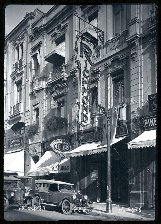 Cafe Richmond en la calle Huerfanos, de la coleccion CHILECTRA | Flickr - Photo Sharing!