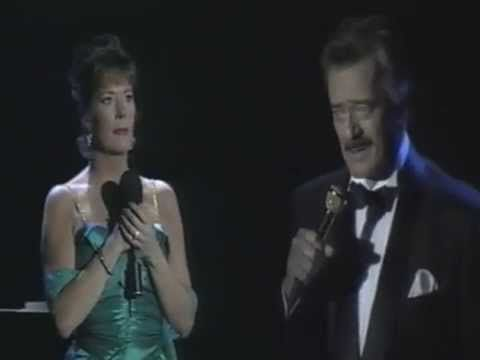 """""""You don't Bring Me Flowers/I won't Send Roses"""" Robert Goulet & Paige O'Hara.  ROBERT GOULET TIMELESS"""
