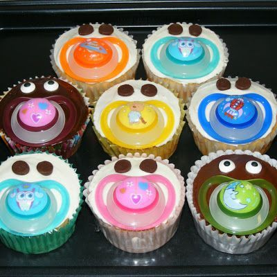 Pacifier Cupcakes @keyingredient #cake #chocolate