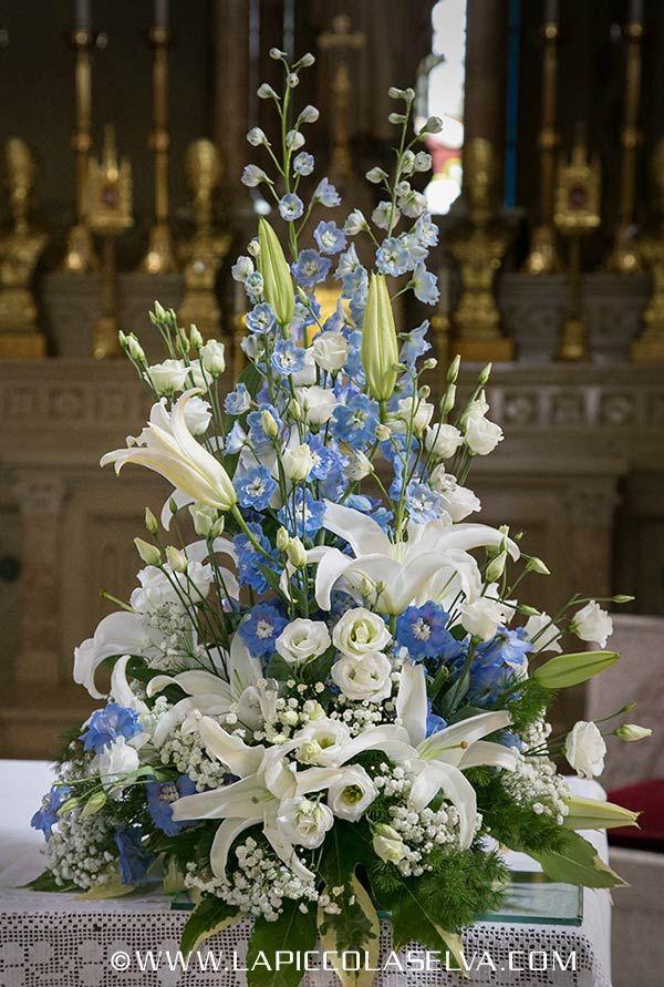 composizioni floreali blu e rosa nella chiesa - Szukaj w Google