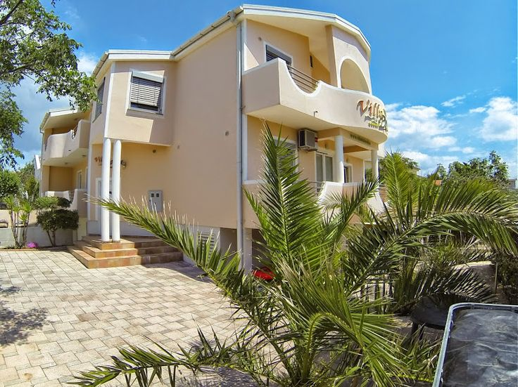 Villa Dobra Family Apartments (150 metres from the beach)