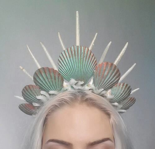 Our recomended products of COLLISTAR will make you feel like a queen siren!  weheartit source: @sleepykiddo  Watch the clip how to apply your products for perfect skin:  https://www.youtube.com/watch?v=LmZ2KRc78tk&feature=player_embedded&list=UUi7npKTmpIuSpfRiSAg3TUA  #beauty #collistar #intensivefirmingcream #bodylotion #anticellulite #antiage #bodycare #body #skin #siren #queen