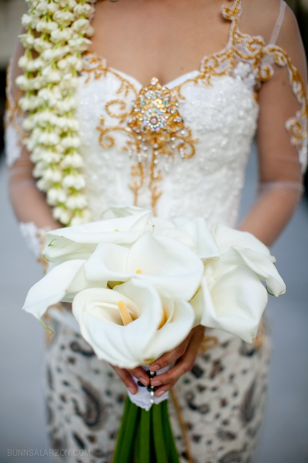 pretty details // Bonny & Derrick's traditional Indonesian destination wedding in Bali. Wedding photos by Portland, OR-based photographer, Bunn Salarzon. To view more images from this event, visit http://www.bunnsblog.com/15346