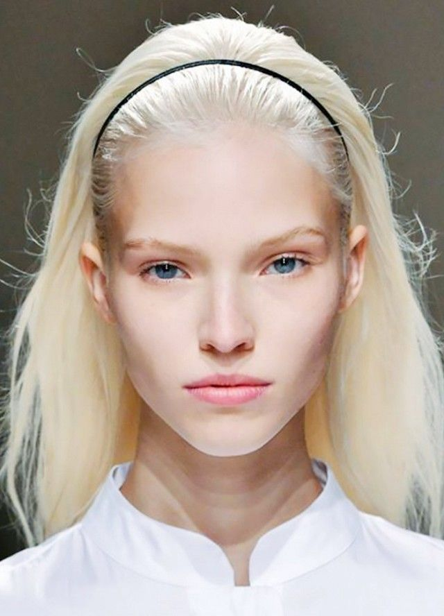 How you can Go Platinum Blond for Summer time (With out Frying Your Hair)