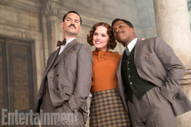Manuel Garcia-Rulfo, Daisy Ridley et Leslie Odom dans Le Crime de l'Orient Express