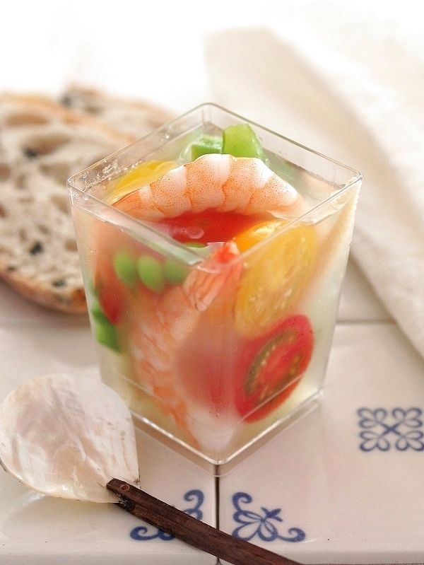 Jelly of summer vegetables and seafood