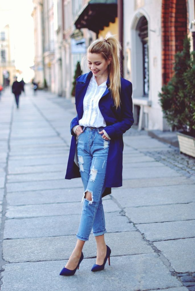 Cobalt blue trench coat, ripped jeans, blue pumps, white blouse, spring outfit