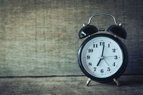 Oh, the dreaded Fall Back – the change in Daylight Savings Time that occurs each autumn that has parents of already-early wakers wanting to run for the hills. Good news! There ARE ways to manage Daylight Savings Time that will result in much less stress for your family. Here are some options, depending on your child's current sleep patterns and how well he adapts to changes in his scheduling:
