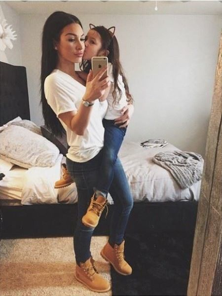 a5ac55b234 Mommy and Me jeans and a tee. Mommy and Me jeans and a tee Mother Daughter  Matching Clothes, Mommy Baby Matching Outfits