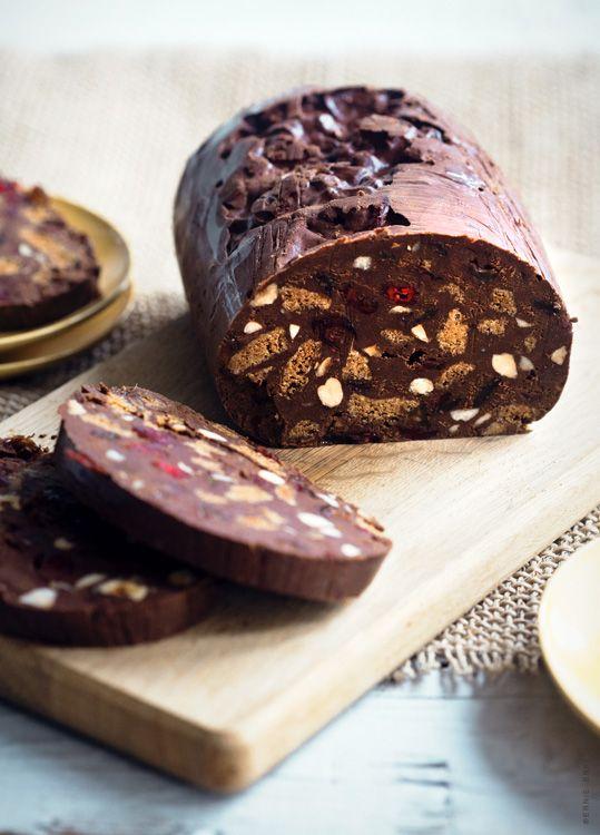 Mister Kitchen voor de Delicious. Recept; Ghanese chococake. Klik op de link om het volledige recept te zien.
