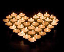 Mum ışı deyince romantik bir ortam gelir aklımıza. Ne güzel olur eve gittiğimizde eşimiz veya sevgilimiz mum ışığında yemek hazırlamış olsa. Peki mum ışığının kalbe iyi geliyor olmasını biliyor muydunuz ? http://www.haberci.org/index.php?do=haber&id=5623