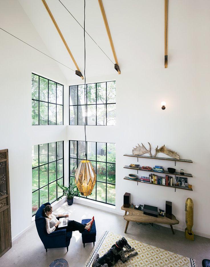 Huis met hout en staal als eyecatchers