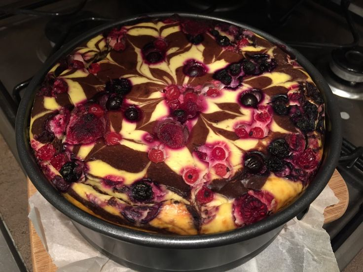 Super vypadající tvarohový dort bez cukru a mouky. Na vrch poklademe různé ovoce…