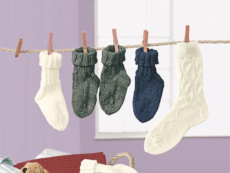 So süß! Diese kleinen Babysocken sind kuschelig warm und sehen dazu noch hübsch aus. Für Strickanfänger ist diese Anleitung gut zu schaffen.