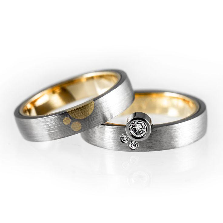 Tailor-made wedding ring set