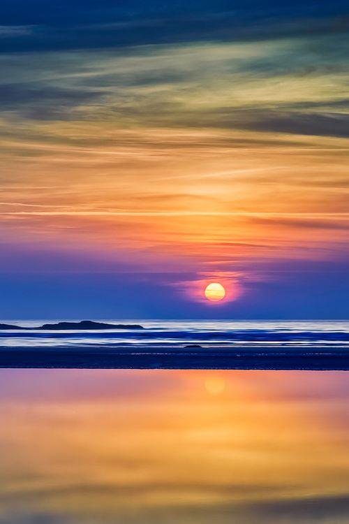 Beautiful sunrise at the coast of Maine, USA (by Robin Keus on 500px)