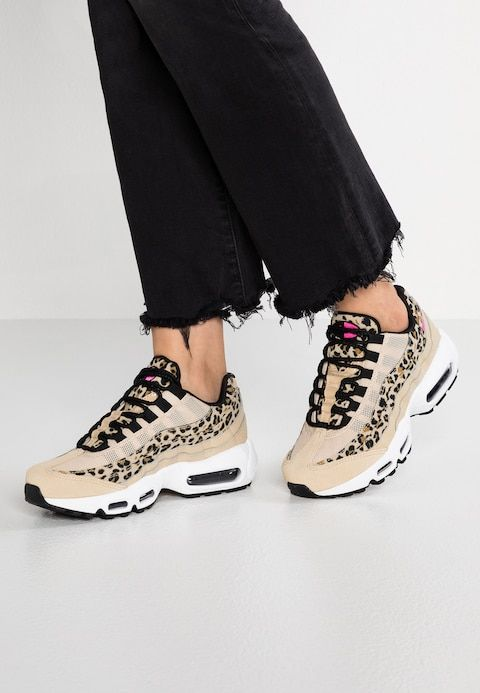 big sale 1ce12 0a785 Nike Sportswear AIR MAX 95 - Trainers - desert ore laser fuchsia - Zalando. co.uk