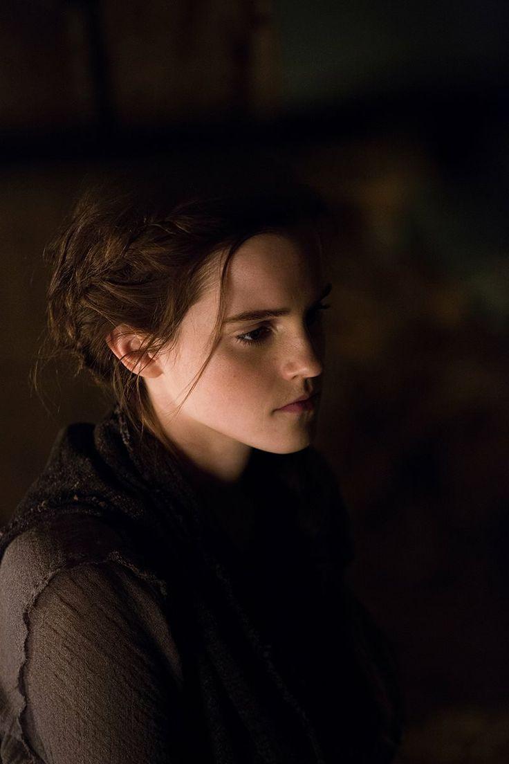Emma Watson Noah - Harry Potter - braids - side profile - Hermione Granger - The beauty and the beast