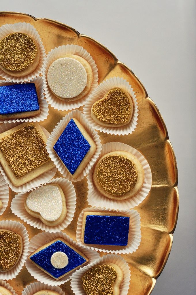 Glitter sugar or shortbread cookies - love the diamonds! Use all card suit shapes?