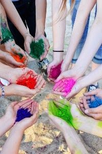Make your own colored powder for color fights
