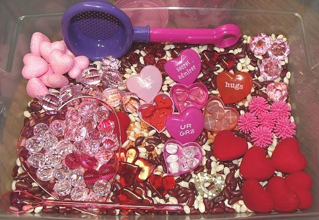 Valentine's Day sensory tub, valentine's sensory bin.   www.nurturingnaters.blogspot.com