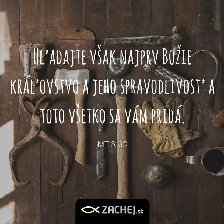 Občas hľadáme všetko iné. A dúfame, že potom, keď budeme mať všetko čo chceme, budeme šťastní. A pritom je to tak jednoduché. Hľadať najprv Jeho tvár - Božiu prítomnosť, a všetko, po čom naše srdce túži, dostaneme ako dar. Navyše. Nie je to krásne? #zachejsk #quotes #dailyquotes #dnescitam #citamkresťanskeknihy #citaty #bible #biblia