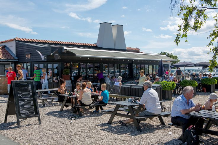 Café og Bistro ved Rørvig Fisk med både inden- og udendørs servering (selvbetjening)