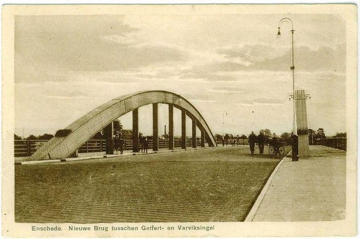 Enschede (1939) De brug tussen de Getfertsingel en Varviksingel.