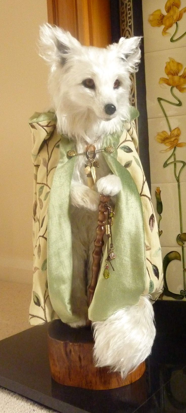 Needle felted wise and noble arctic fox   By Paula Drage of The Artful Fox. Dazzling!