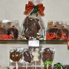 Marshville Chocolates Featured Products halloween pumpkins suckers haunted houses